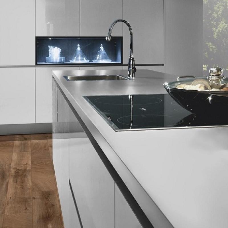 Фото в інтер'єрі на кухні - Дуб Фреско Барк K4382