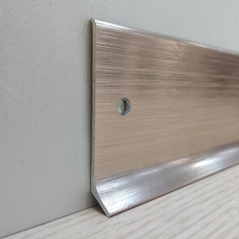 фото плінтуса лучіано алюміній срібло браш