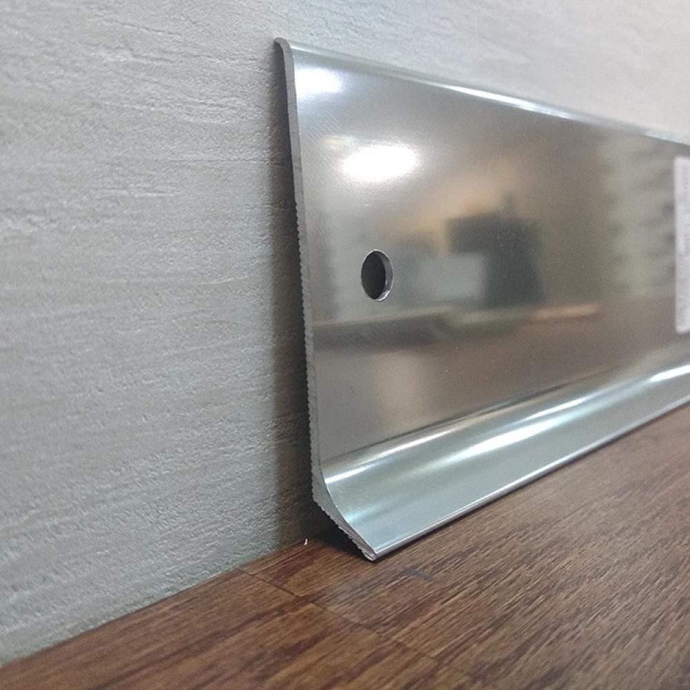 фото плінтуса лучіано алюміній срібло пол