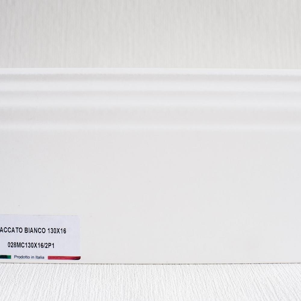 фото плінтуса лучіано білий Р1-1