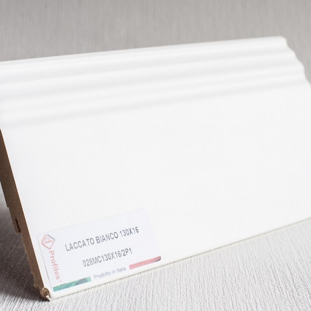 фото плінтуса лучіано білий Р1