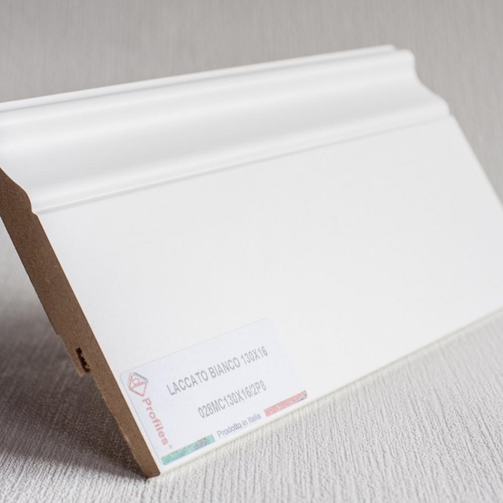 фото плінтуса лучіано білий Р8 130