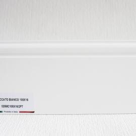 фото плінтуса лучіано білий Р7 108-1